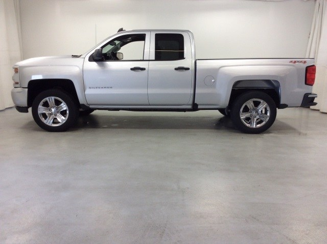 2016 Silverado 1500 Double Cab 4x4,  Pickup #B16UR9119 - photo 3