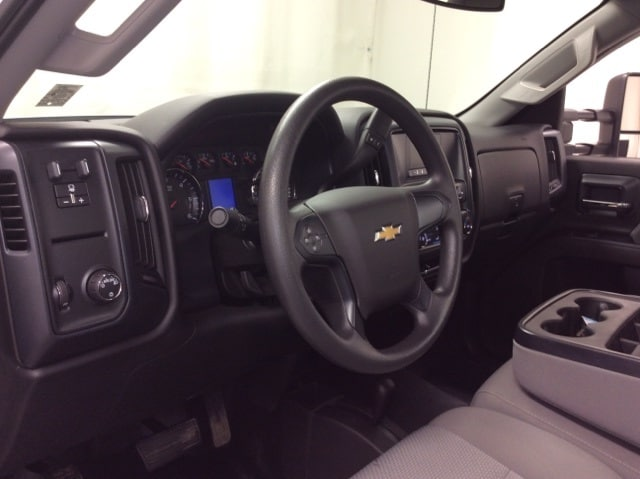 2017 Silverado 3500 Regular Cab DRW 4x4,  Service Body #B17UR9116 - photo 22