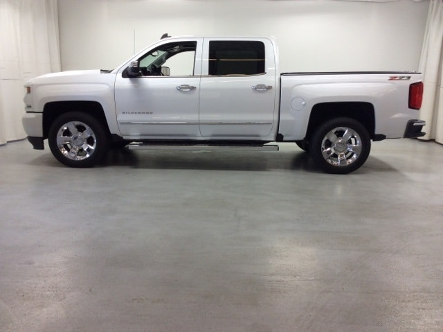 2017 Silverado 1500 Crew Cab 4x4,  Pickup #B17UR9164 - photo 3
