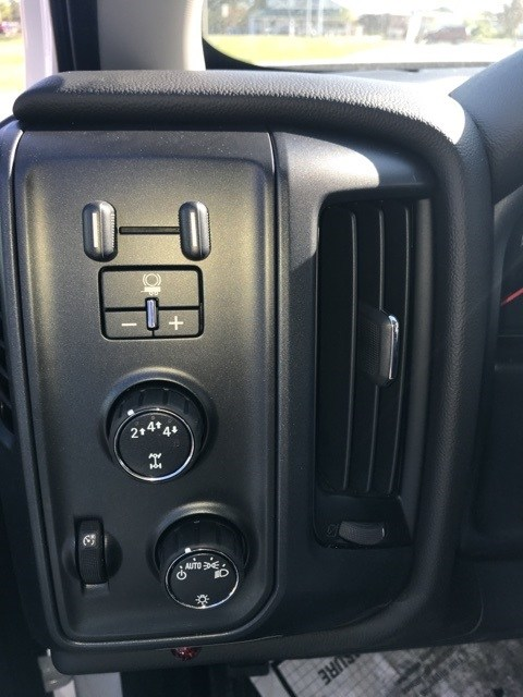 2018 Silverado 3500 Regular Cab DRW 4x4,  Reading Dump Body #B18100544 - photo 13