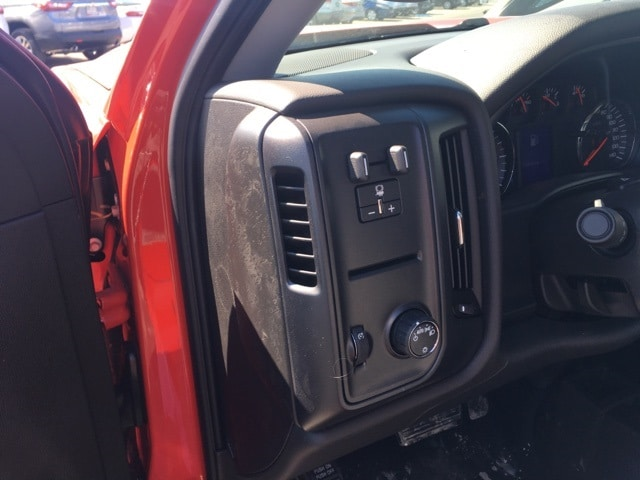 2018 Silverado 2500 Regular Cab 4x4, Knapheide Service Body #B18100706 - photo 4