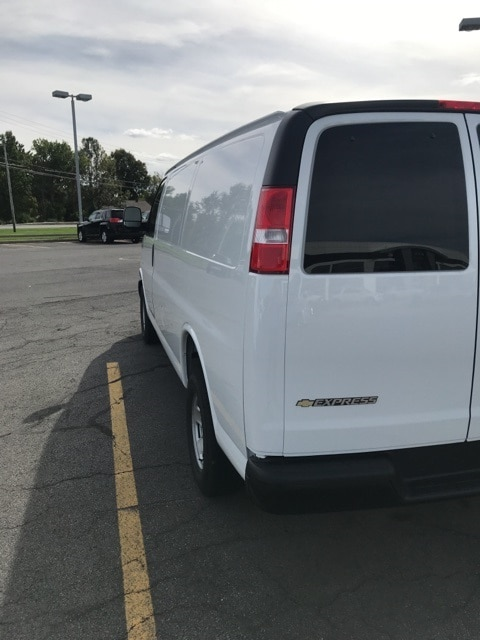 2018 Express 2500 4x2,  Empty Cargo Van #B18101413 - photo 3