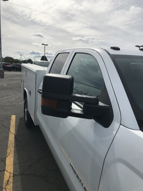 2018 Silverado 2500 Double Cab 4x4,  Reading Service Body #B18101431 - photo 3