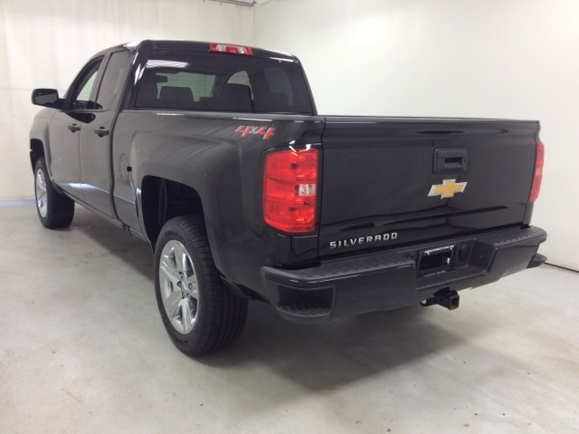 2018 Silverado 1500 Double Cab 4x4,  Pickup #B18UR8901 - photo 2