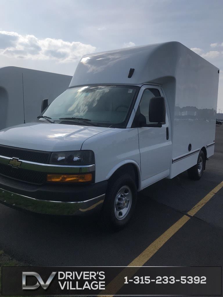 2021 Chevrolet Express 3500 4x2, Unicell Cutaway Van #B21103945 - photo 1