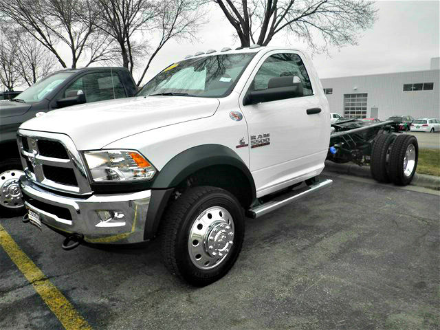 2017 Ram 5500 Regular Cab DRW 4x4,  Cab Chassis #17RL152 - photo 10