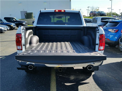 2018 Ram 1500 Crew Cab 4x4, Pickup #18RL016 - photo 5