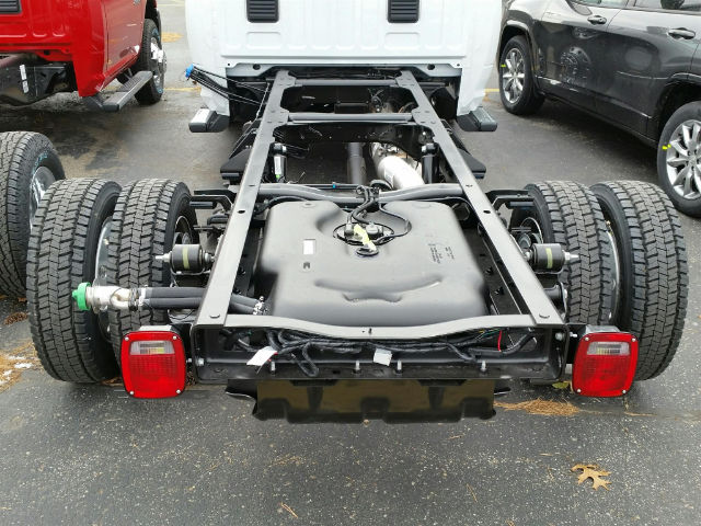 2018 Ram 5500 Regular Cab DRW 4x4,  Cab Chassis #18RL070 - photo 5