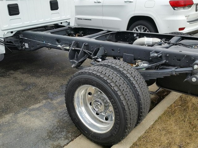 2018 Ram 5500 Regular Cab DRW 4x4,  Cab Chassis #18RL089 - photo 3