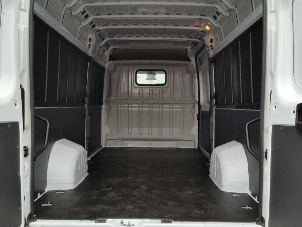 2018 ProMaster 3500 High Roof FWD,  Empty Cargo Van #18RL253 - photo 2
