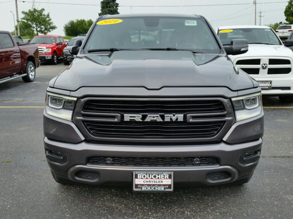 2019 Ram 1500 Crew Cab 4x4,  Pickup #19RL036 - photo 4