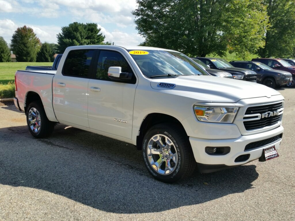 2019 Ram 1500 Crew Cab 4x4,  Pickup #19RL074 - photo 3