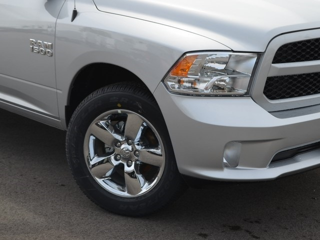 2018 Ram 1500 Quad Cab 4x4, Pickup #M181011 - photo 5
