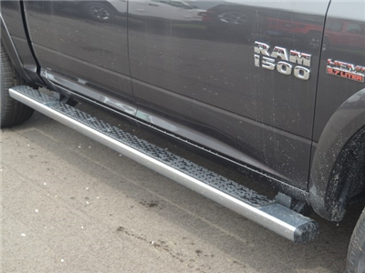 2018 Ram 1500 Crew Cab 4x4,  Pickup #M181087 - photo 5