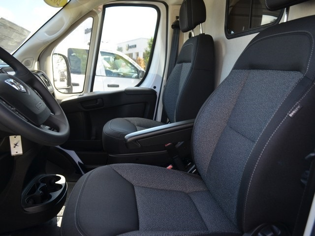 2018 ProMaster 2500 High Roof FWD,  Empty Cargo Van #M181490 - photo 16