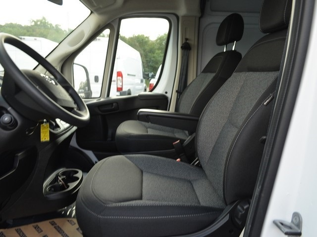 2018 ProMaster 2500 High Roof FWD,  Empty Cargo Van #M181500 - photo 17