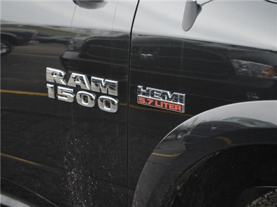 2018 Ram 1500 Crew Cab 4x4, Pickup #M18918 - photo 7