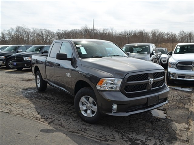2018 Ram 1500 Quad Cab 4x4,  Pickup #M18970 - photo 7