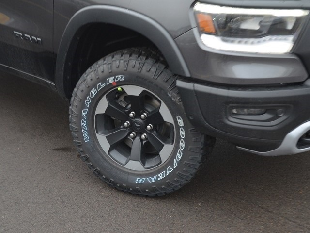 2019 Ram 1500 Crew Cab 4x4,  Pickup #M19546 - photo 5