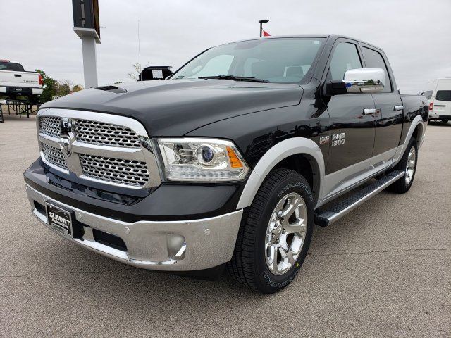 2017 Ram 1500 Crew Cab 4x4,  Pickup #20T12A - photo 3