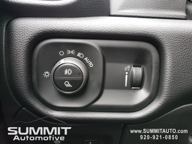 2020 Ram 1500 Crew Cab 4x4, Pickup #20T40 - photo 18