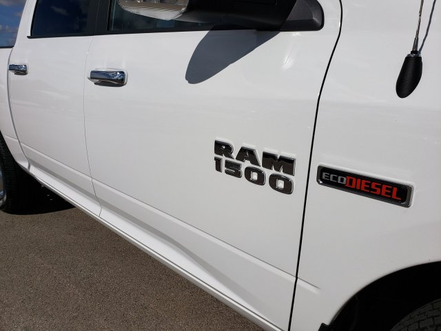2018 Ram 1500 Crew Cab 4x4, Pickup #8T375A - photo 40