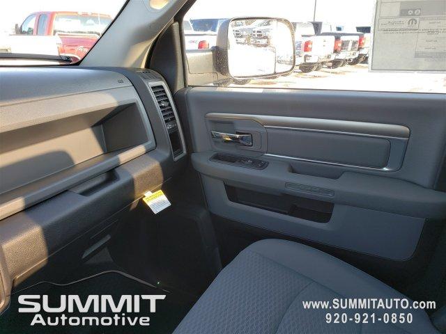 2018 Ram 3500 Regular Cab DRW 4x4, Knapheide Value-Master X Platform Body #8T413 - photo 12