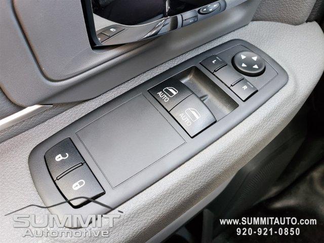 2018 Ram 3500 Regular Cab DRW 4x4, Knapheide Value-Master X Platform Body #8T413 - photo 16