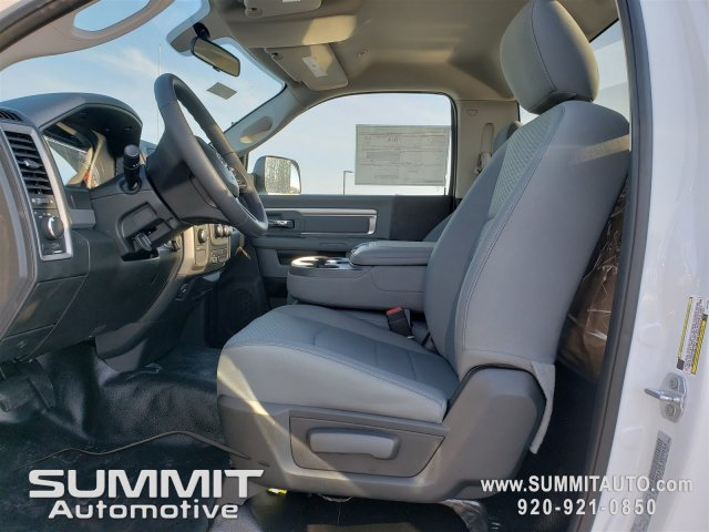 2018 Ram 3500 Regular Cab DRW 4x4, Knapheide Value-Master X Platform Body #8T413 - photo 6