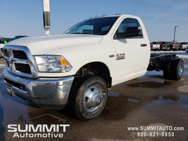 2018 Ram 3500 Regular Cab DRW 4x4,  Cab Chassis #8T418 - photo 26