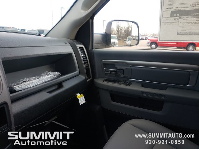 2018 Ram 5500 Regular Cab DRW 4x4,  Cab Chassis #8T423 - photo 14