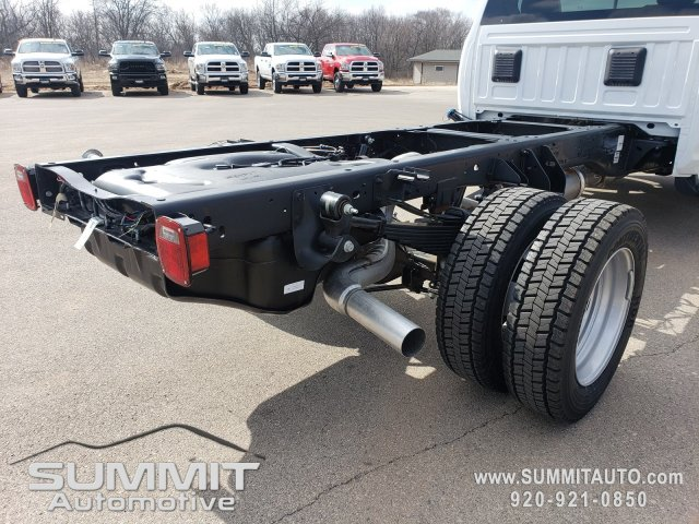 2018 Ram 5500 Regular Cab DRW 4x4,  Cab Chassis #8T423 - photo 32