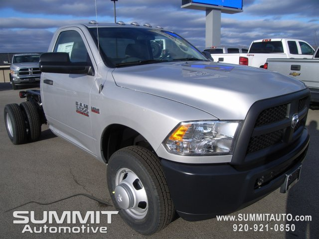 2018 Ram 3500 Regular Cab DRW 4x4,  Cab Chassis #8T82 - photo 5