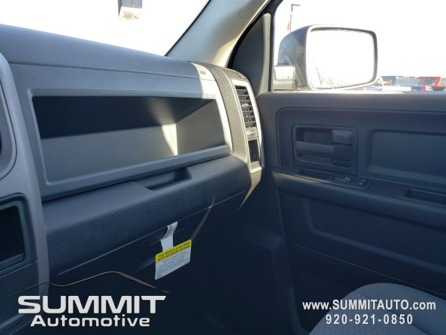 2019 Ram 1500 Crew Cab 4x4,  Pickup #9T135 - photo 10