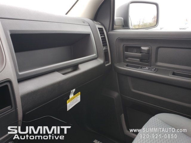 2019 Ram 1500 Crew Cab 4x4,  Pickup #9T142 - photo 10