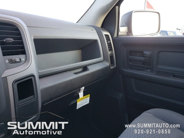2019 Ram 1500 Crew Cab 4x4,  Pickup #9T143 - photo 10