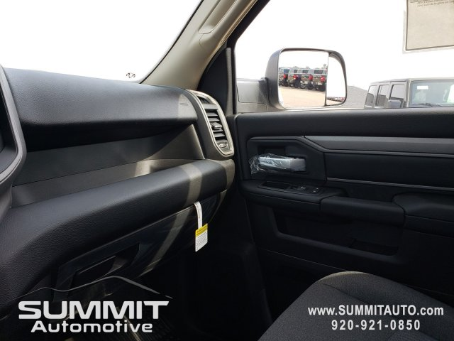 2019 Ram 5500 Regular Cab DRW 4x4,  Cab Chassis #9T246 - photo 12