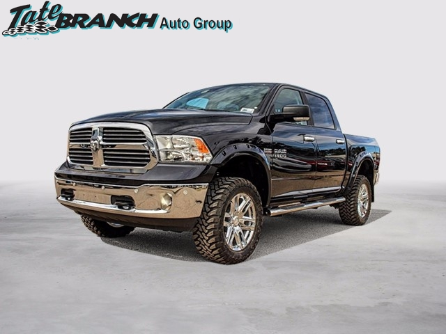 2017 Ram 1500 Crew Cab 4x4, Pickup #4572 - photo 1