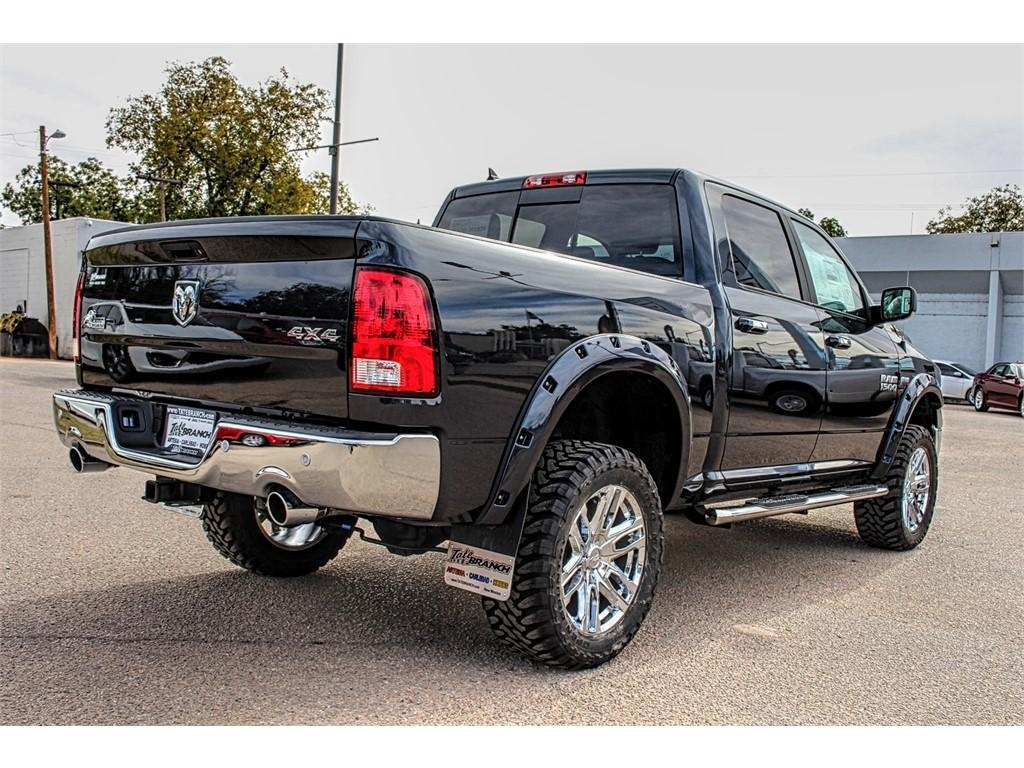 2017 Ram 1500 Crew Cab 4x4, Pickup #4572 - photo 5