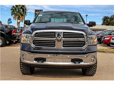 2017 Ram 1500 Crew Cab 4x4, Pickup #4572 - photo 3