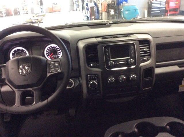 2019 Ram 1500 Crew Cab 4x4,  Pickup #R19101 - photo 11