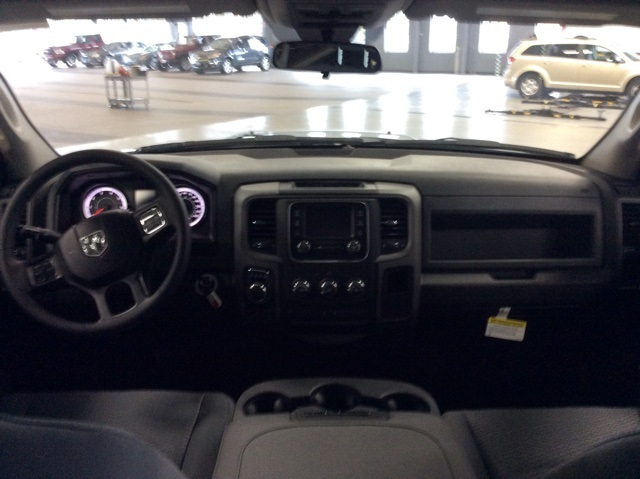 2019 Ram 1500 Crew Cab 4x4,  Pickup #R19112 - photo 10