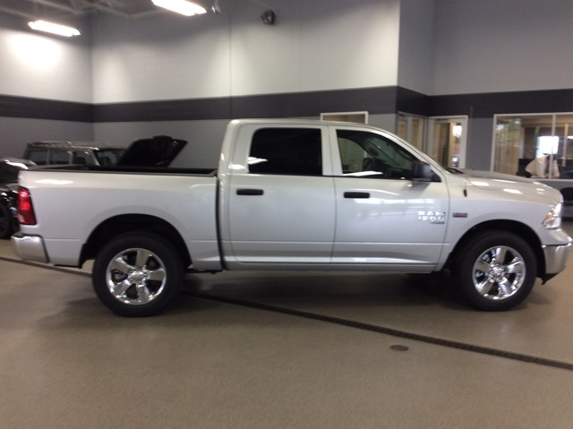 2019 Ram 1500 Crew Cab 4x4,  Pickup #R19112 - photo 8