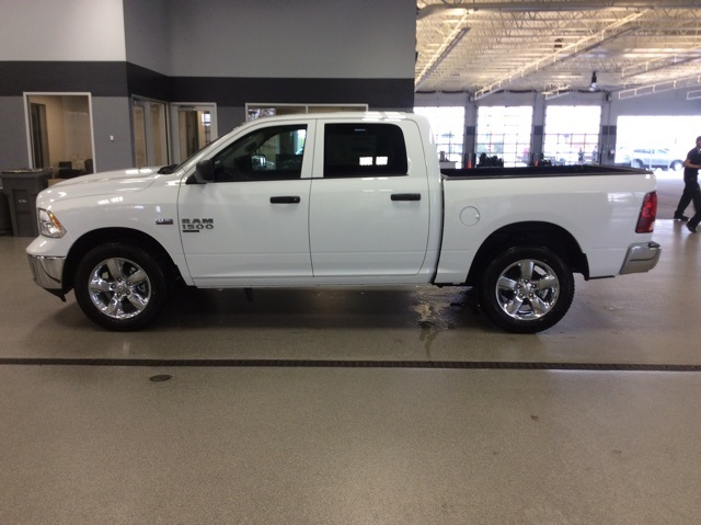 2019 Ram 1500 Crew Cab 4x4,  Pickup #R19143 - photo 5