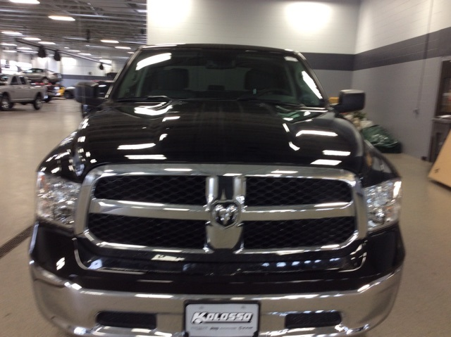 2019 Ram 1500 Crew Cab 4x4,  Pickup #R19261 - photo 3