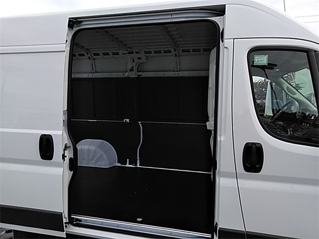 2018 ProMaster 2500 High Roof FWD,  Empty Cargo Van #R8146 - photo 12