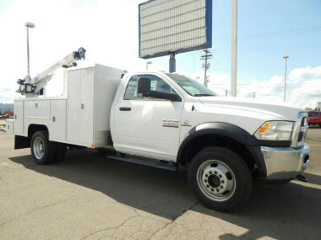 2018 Ram 5500 Regular Cab DRW 4x4,  Scelzi Mechanics Body #R1408 - photo 4