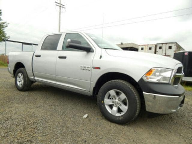 2018 Ram 1500 Crew Cab 4x4,  Pickup #R1422 - photo 7