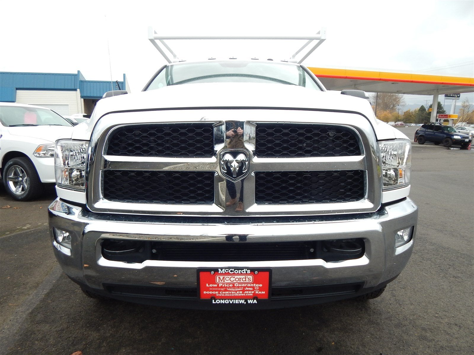 2018 Ram 3500 Crew Cab DRW 4x4,  Harbor Contractor Body #R1498 - photo 7
