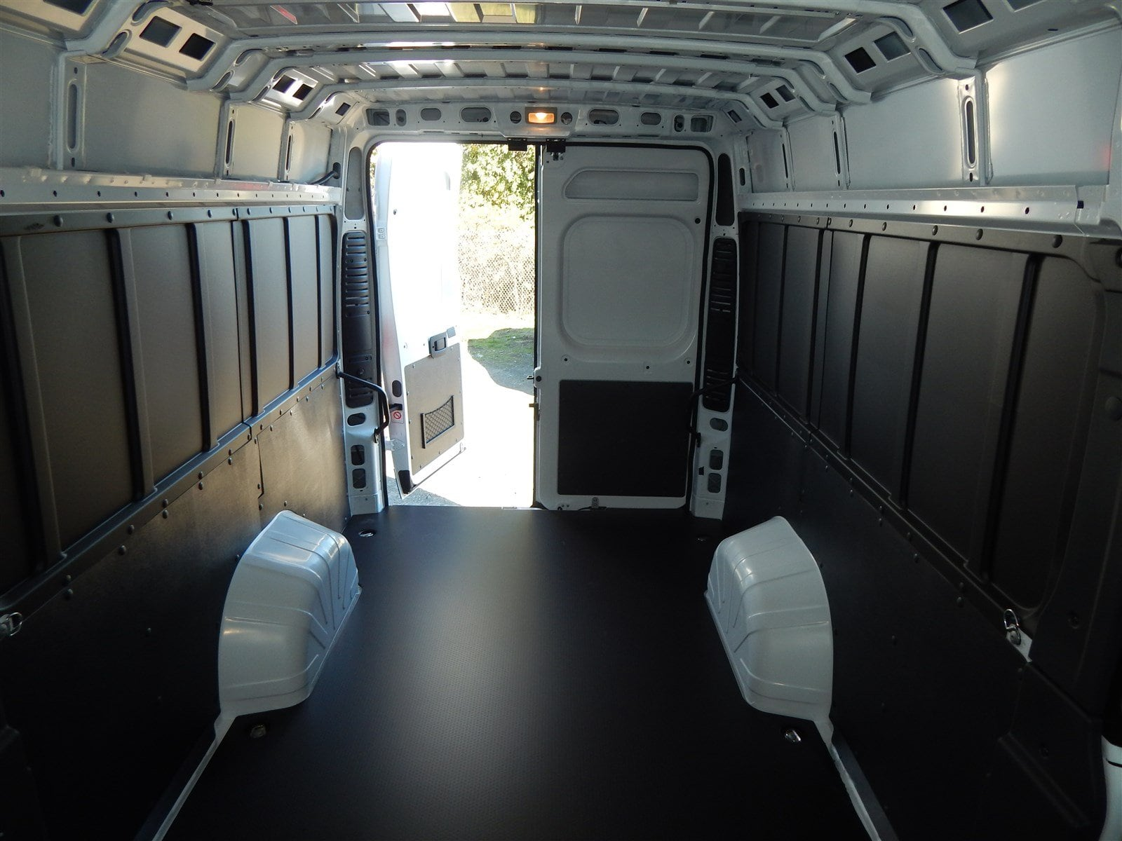 2018 ProMaster 3500 High Roof FWD,  Empty Cargo Van #R1530 - photo 12